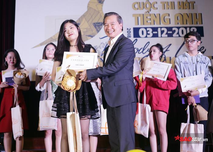 Với phần trình diễn xuất sắc của mình, cô đã giành giải Nhất chung cuộc