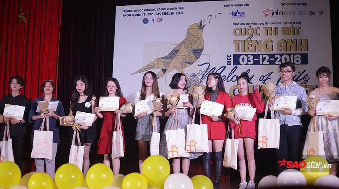 Toàn cảnh 10 thí sinh tham dự vòng chung kết của cuộc thi Melody of life 2018