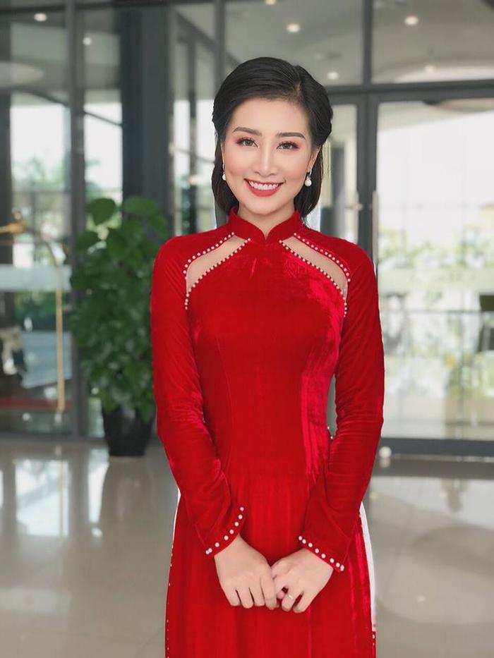 Trong phần thi trả lời phỏng vấn, thí sinh Lê Hà Phương đã chia sẻ lựa chọn tham gia cuộc thi Mrs Việt Nam 2018 là 1 sự lựa chọn mang tính bước ngoặt và là dấu ấn thực sự ý nghĩa của cuộc đời của mình.