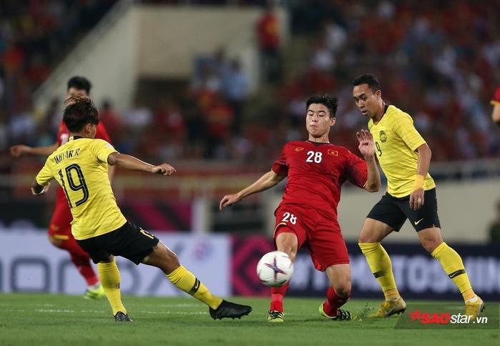 Duy Mạnh là cầu thủ được đào tạo bởi Trung tâm bóng đá trẻ Hà Nội.