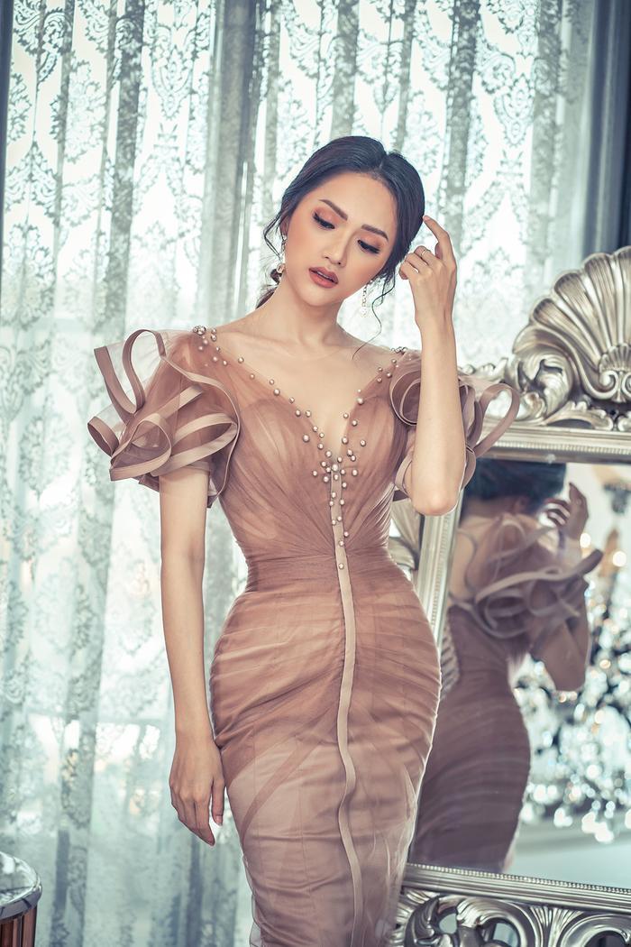 Nếu Hoa hậu Hương Giang xuất hiện quyến rũ và gợi cảm…