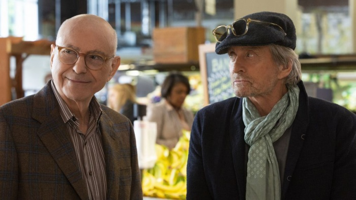 Alan Arkin (trái) trong The Kominsky Method.