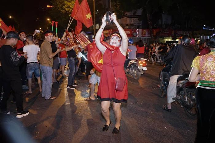 Niềm hạnh phúc lan tỏa đến triệu trái tim người dân Việt Nam