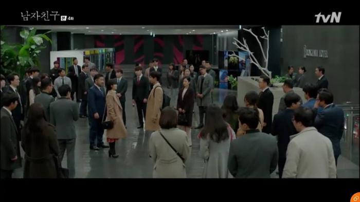 Jin Hyuk liều lĩnh ra mặt.