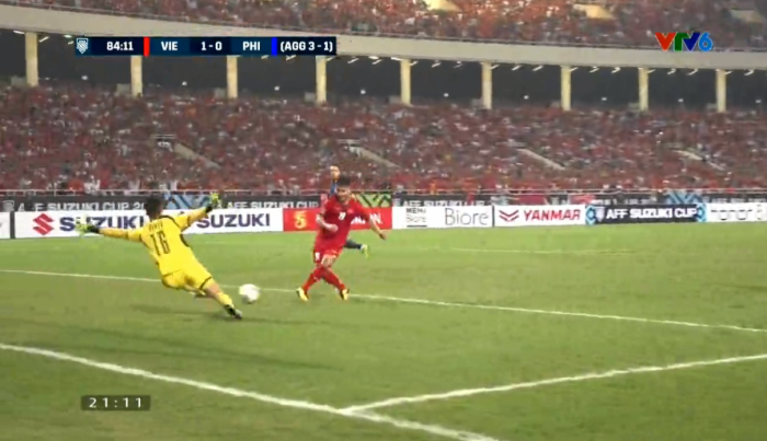 Thủ môn Philipines rung cây dọa khỉ chăng? Kết quả vẫn bị thủng lưới 2 bàn nhé!