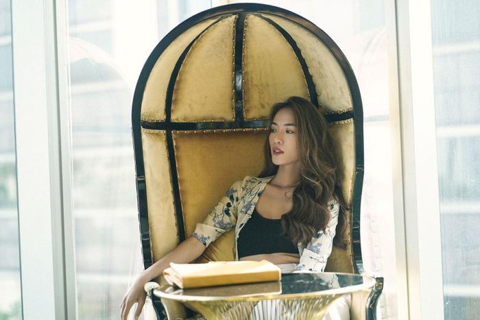 Người mẫu Thoại Tiên lần đầu đá chéo sân sang lĩnh vực điện ảnh.