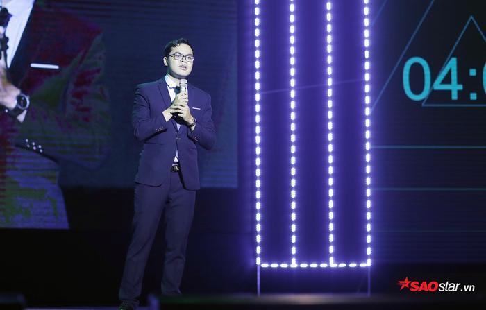 Nguyễn Tùng Lâm trình bày những trai nghiệm và kể lại câu chuyện truyền cảm hứng của mình.