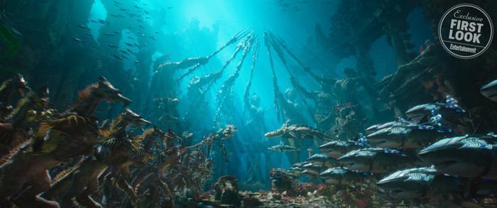 Bom tấn 'Aquaman' - Xinh đẹp, mãn nhãn và… sến