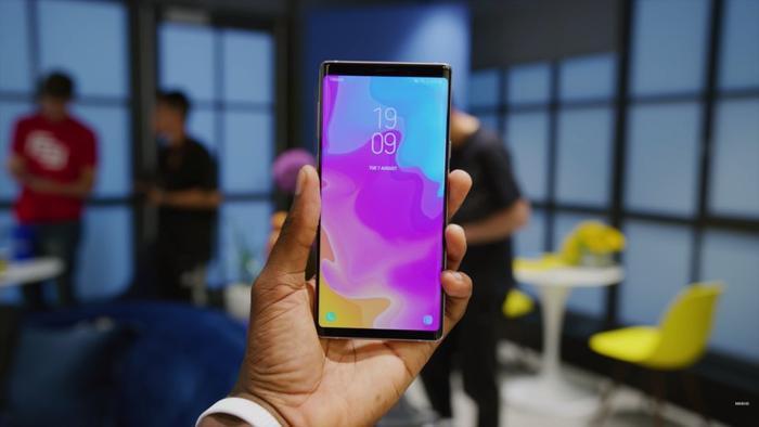 Samsung có hai smartphone bom tấn trong năm 2018 nhưng đây là lý do bạn nên chọn Galaxy Note9 thay vì S9/ S9+ ảnh 2