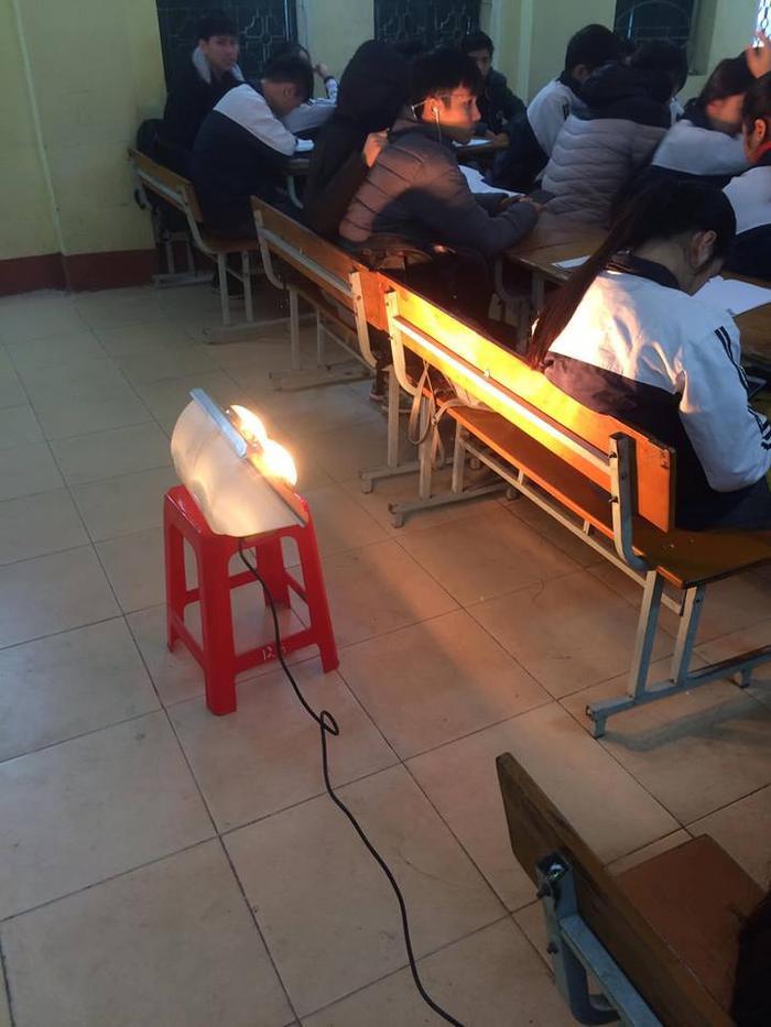 Những kế sách giữ nhiệt 'bá đạo trên từng hạt gạo' của học sinh miền Bắc ngày rét đậm dưới 10 độ C