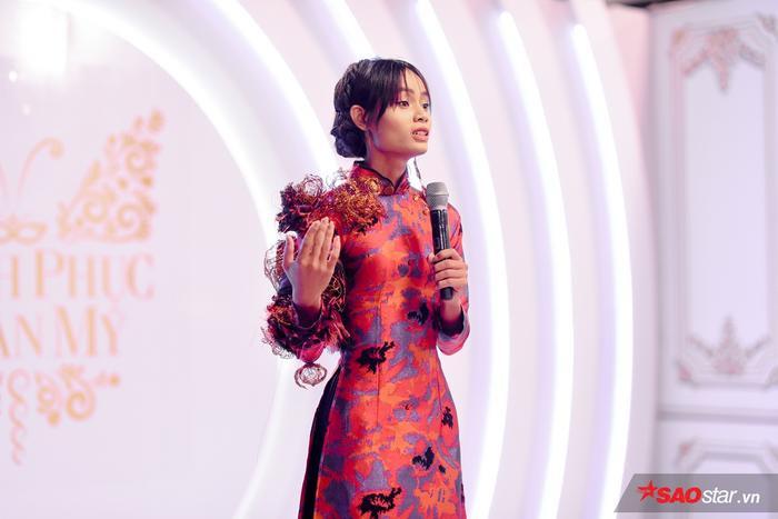 Châu Kim Sang quyết định chọn về với team Xanh – màu sắc may mắn của mình.