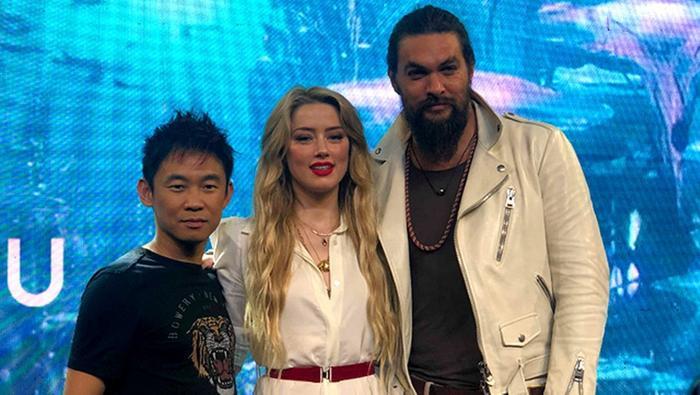 James Wan, Amber Heard và Jason Momoa tại sự kiện quảng báAquaman ở Manila, Philippines.