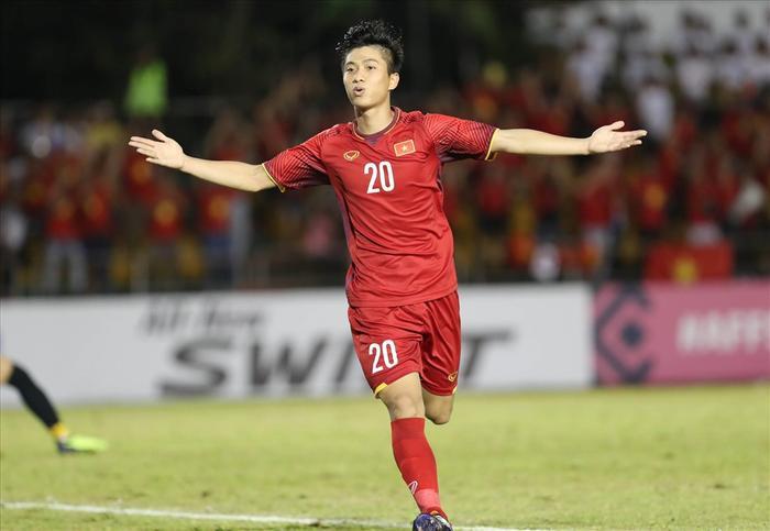 Phan Văn Đức đã trở thành cầu thủ không thể thay thế ở đội tuyển Việt Nam. Ảnh Đức Đồng