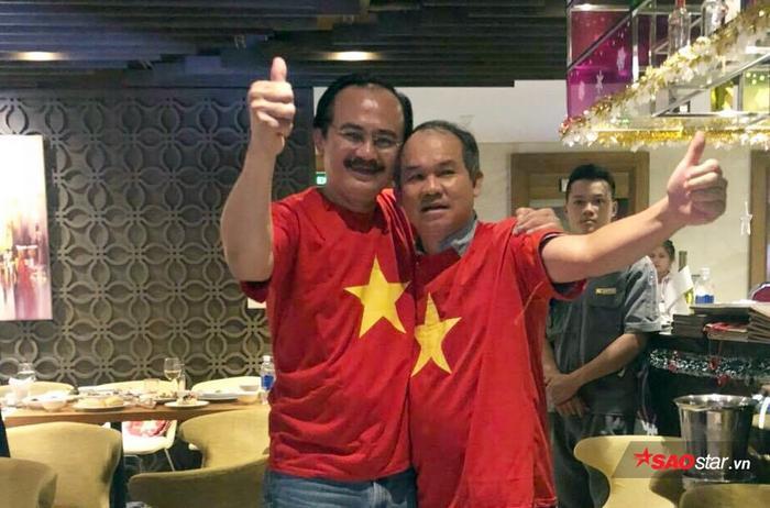 Bầu Đức và bầu Thắng cùng nhau ăn mừng chức vô địch AFF Cup của tuyển Việt Nam.