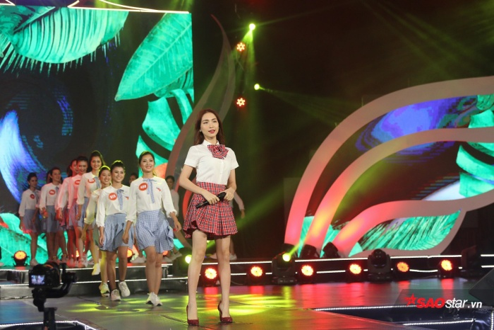 Hòa Minzy và dàn thí sinh tại đêm chung kết.