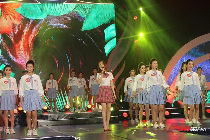 Đêm nay, Top 45 thí sinh sẽ cùng nhau tranh tài để giành lấy vương miện Hoa khôi Sinh viên Việt Nam 2018.