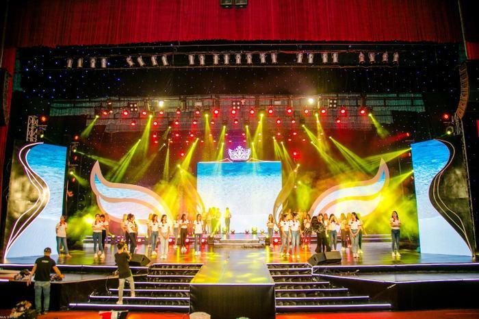 Sân khấu đêm Chung kết Hoa khôi Sinh viên Việt Nam 2018