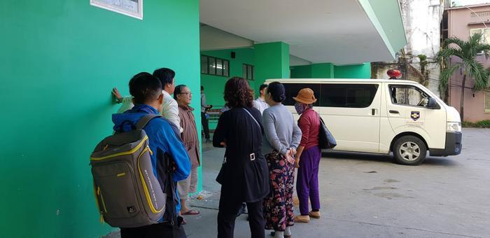 Đà Nẵng: Rơi từ tầng 2 của trường xuống đất, học sinh lớp 1 nguy kịch ảnh 2