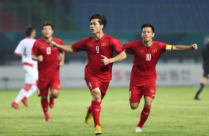 Nhiều người hy vọng ĐT Việt Nam sẽ vượt qua các đội bóng Tây Á.