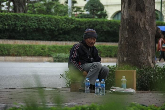 Hà Nội có mưa vài nơi, sáng sớm và đêm trời lạnh