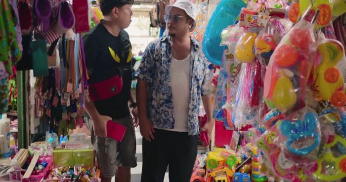 Cá Heo và A Chề – nhân tố gây hài trong phim