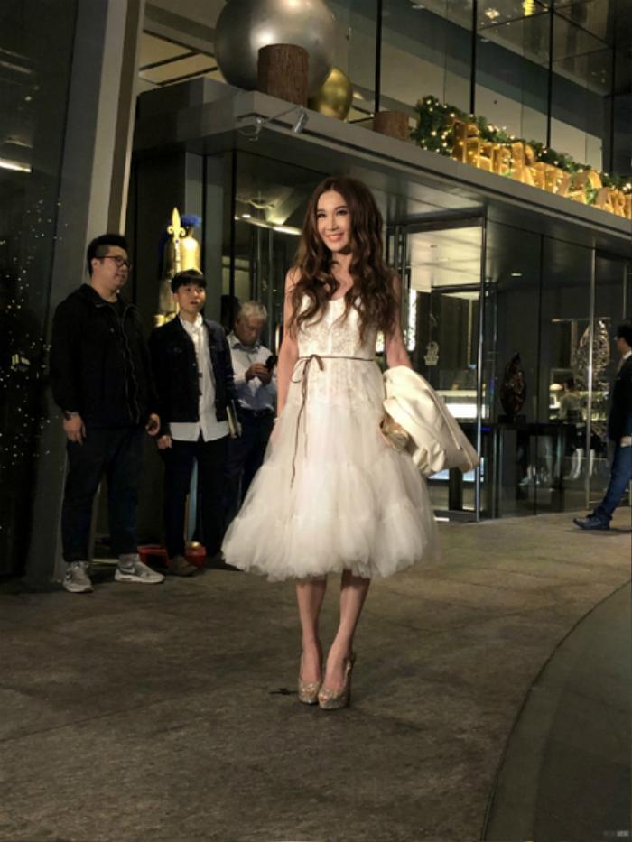 Ngọc Trinh, Đông Nhi lọt top sao xấu tuần vì lỗi thời trang không đáng có