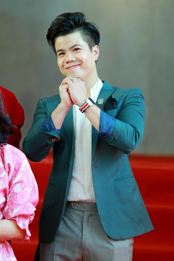 Ca sĩ Đinh Mạnh Ninh là một trong những giám khảo khách mời trong cuộc thi này