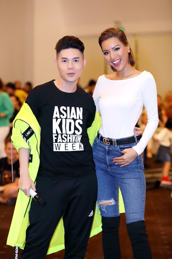 Siêu mẫu Khả Trang xinh đẹp xuất hiện tại buổi tổng duyệt
