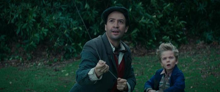 """Cô đã bám vào con diều của Georgie để """"hạ cánh""""."""