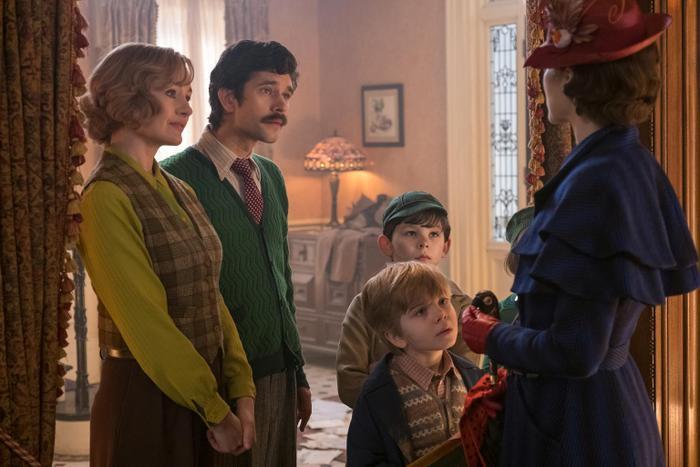Mary Poppins sẽ giúp gì cho khủng hoảng hiện giờ của nhà Banks?