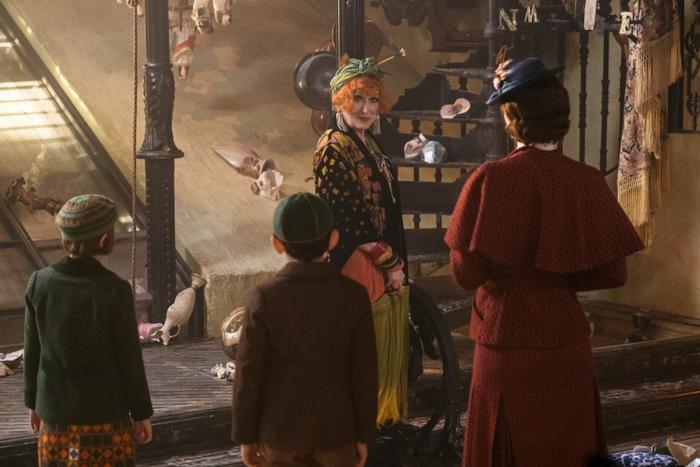 Topsy (do Meryl Streep thủ vai) và câu chuyện thú vị về thế giới đảo ngược vào ngày thứ Tư thứ hai của tháng.