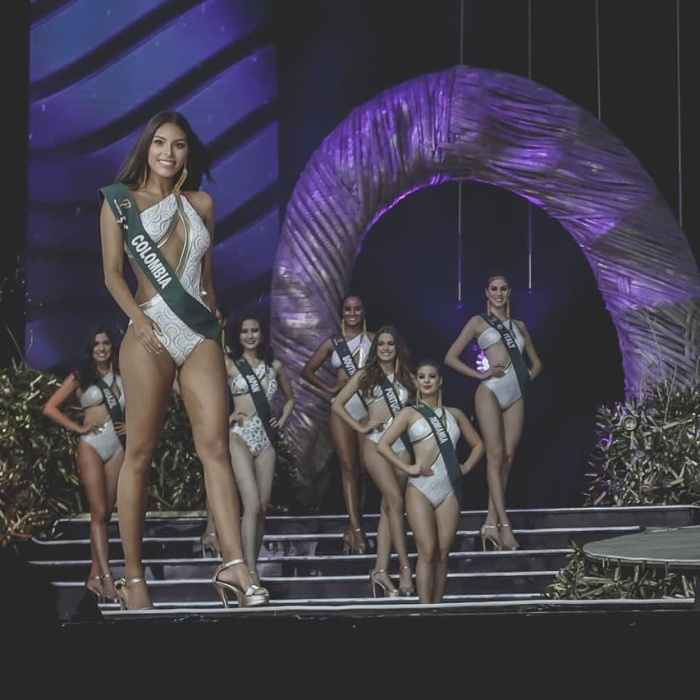 Chân dài Colombia là một trong những thí sinh có hình thể cân đối, hài hòa nhất cuộc thi.