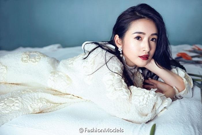 Trước Tiểu nữ Hoa Bất Khí, Lâm Y Thần đã thành công với những tạo hình cổ trang xinh đẹp nào? ảnh 1