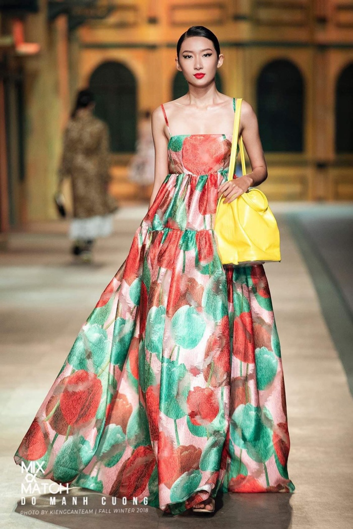 Trước khi theo học khoa Tiếng Anh của ĐH Hutech, Thanh Khoa đã tốt nghiệp khóa tư duy và minh họa thời trang tại F.A.C.E - Fashion workshop. Hiện tại nghề nghiệp của cô là người mẫu.