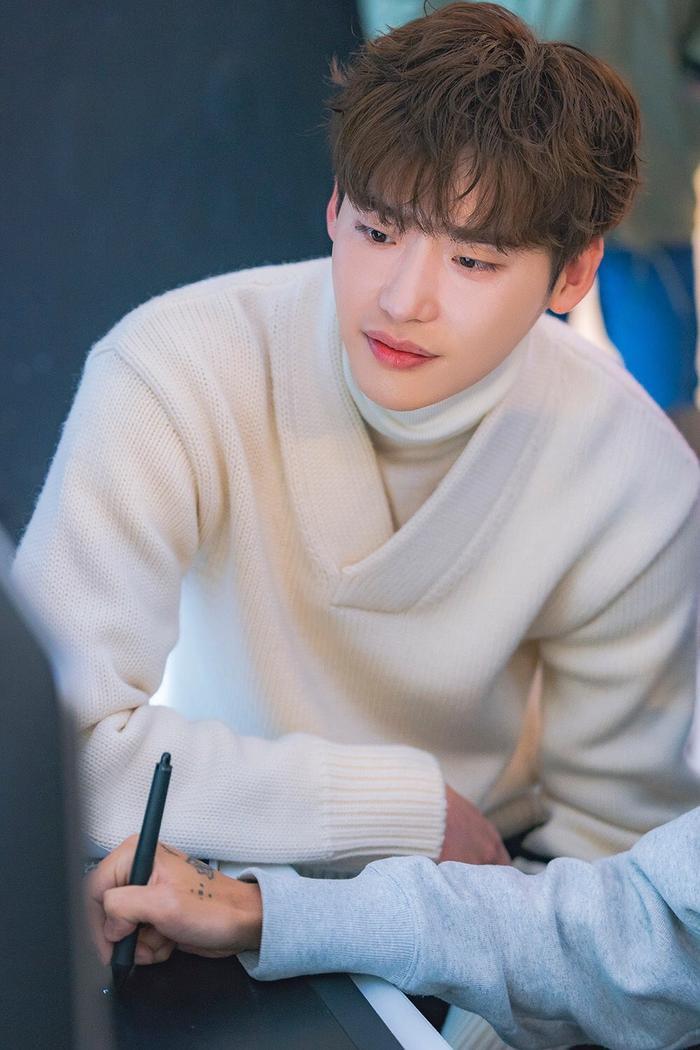 Romance is a Bonus Book: Nắm tay tình tứ, hóa ra Lee Jong Suk  Lee Na Young thân thiết từ thời sinh viên ảnh 4