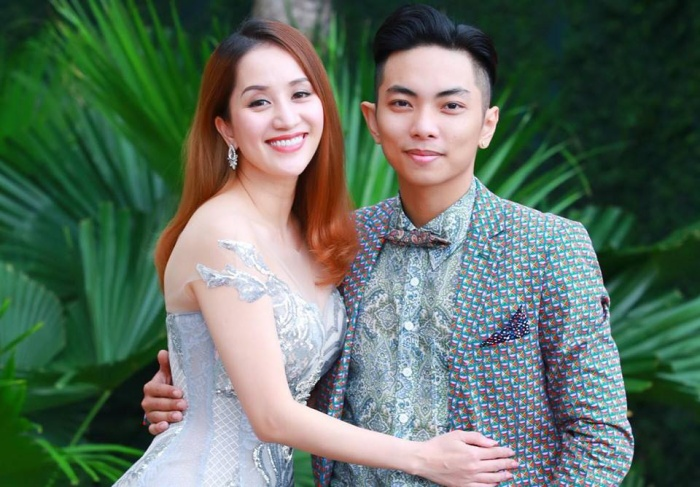 Khánh Thi và Phan Hiển tình tứ bên nhau.