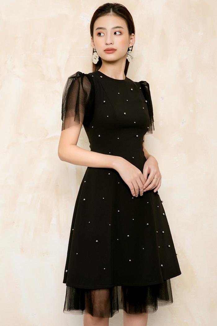 Váy đen mix voan lưới và lụa hàn rất sang phải không nào