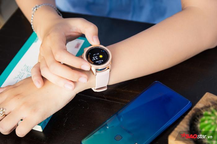 Hội chị em yêu thích đồng hồ công nghệ nay đã có Galaxy Watch để lựa chọn