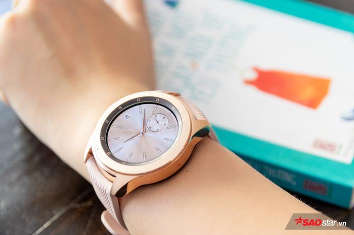 Đồng hồ bây giờ là phải đẹp đã và Galaxy Watch vượt lên nhiều mẫu smartwatch khác nhờ đạt được yếu tố này