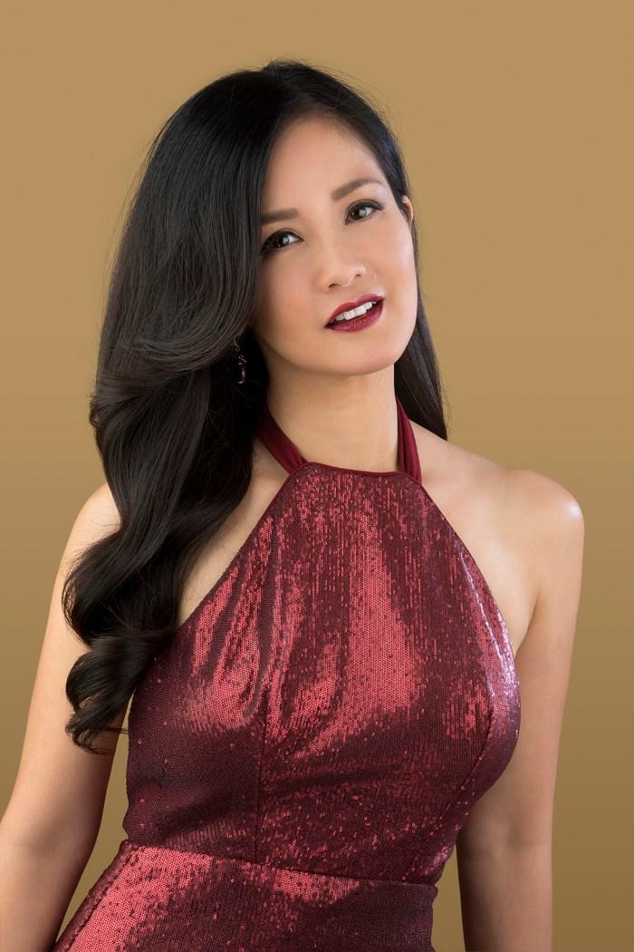 Chưa biết liệu đây có chính xác là người đàn ông của Diva Hồng Nhung sau đổ vỡ hôn nhân hay không nhưng người hâm mộ đang rất vui mừng và chúc cho cô sẽ luôn hạnh phúc với sự lựa chọn của mình.