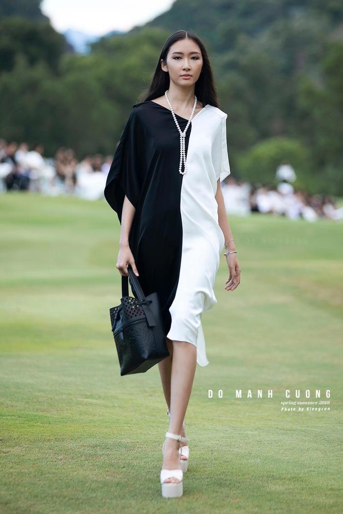 Trước khi trở thành quán quân tại Miss Hutech 2019, Thanh Khoa từng là gương mặt người mẫu tại nhiều sàn diễn thời trang lớn của những NTK đình đám.
