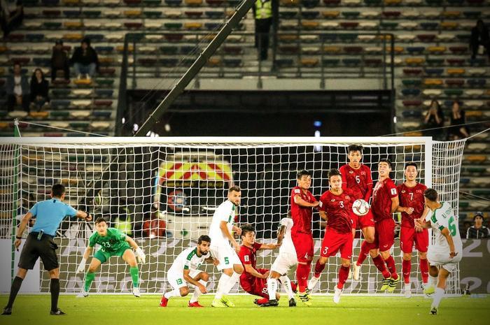 Nhiều người nhớ đến pha ghi bàn của Adnan vào lưới Đặng Văn Lâm sau khi Quang Hải ghi một bàn thắng tương tự vào lưới ĐT Yemen.