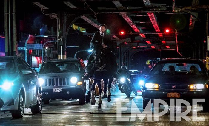 Keanu Reeves trong trailer đầu tiên của John Wick: Chapter 3  Parabellum chạy trối chết như đang chơi Running Man ảnh 0