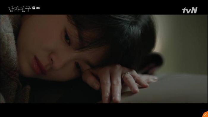 Soo Hyun gục ngã sau những lời cầu xin của mẹ bạn trai.