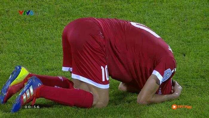 Dù có được bàn thắng thứ 4 nhưng kết quả 4-1 không thể giúp Li Băng đi tiếp. Các cầu thủ đã sụp đổ trong nỗi buồn.