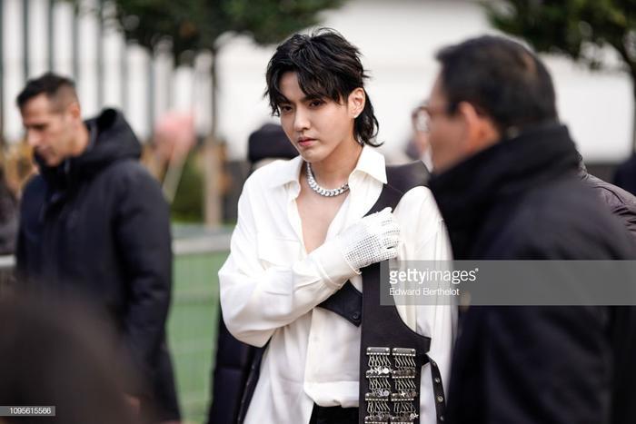 Ngô Diệc Phàm đọ vẻ ngoài soái ca với chàng thơ Timothee Chalamet tạiTuầnlễ thời trang nam Paris 2019 ảnh 1