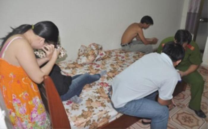 Lễ tân nhà nghỉ tự ý thỏa thuận giá và 'điều đào' bán dâm cho khách