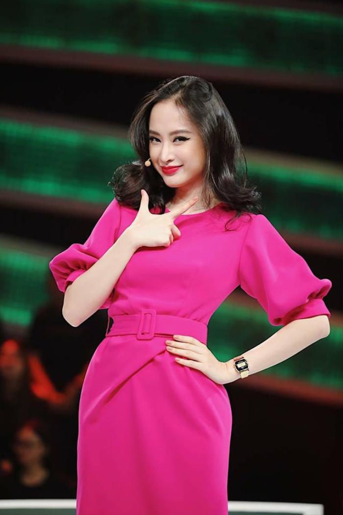 Bắt kịp xu hướng, Ngọc Trinh - Đặng Thu Thảo - Angela Phương Trinh và dàn mỹ nhân Việt đã phủ sắc hồng khắp mọi mặt trận