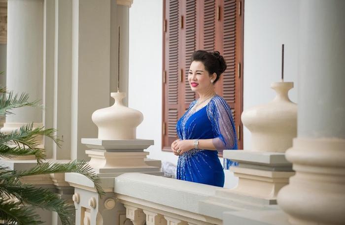 Bà Dung được nhận xét là có phong cách quý phái