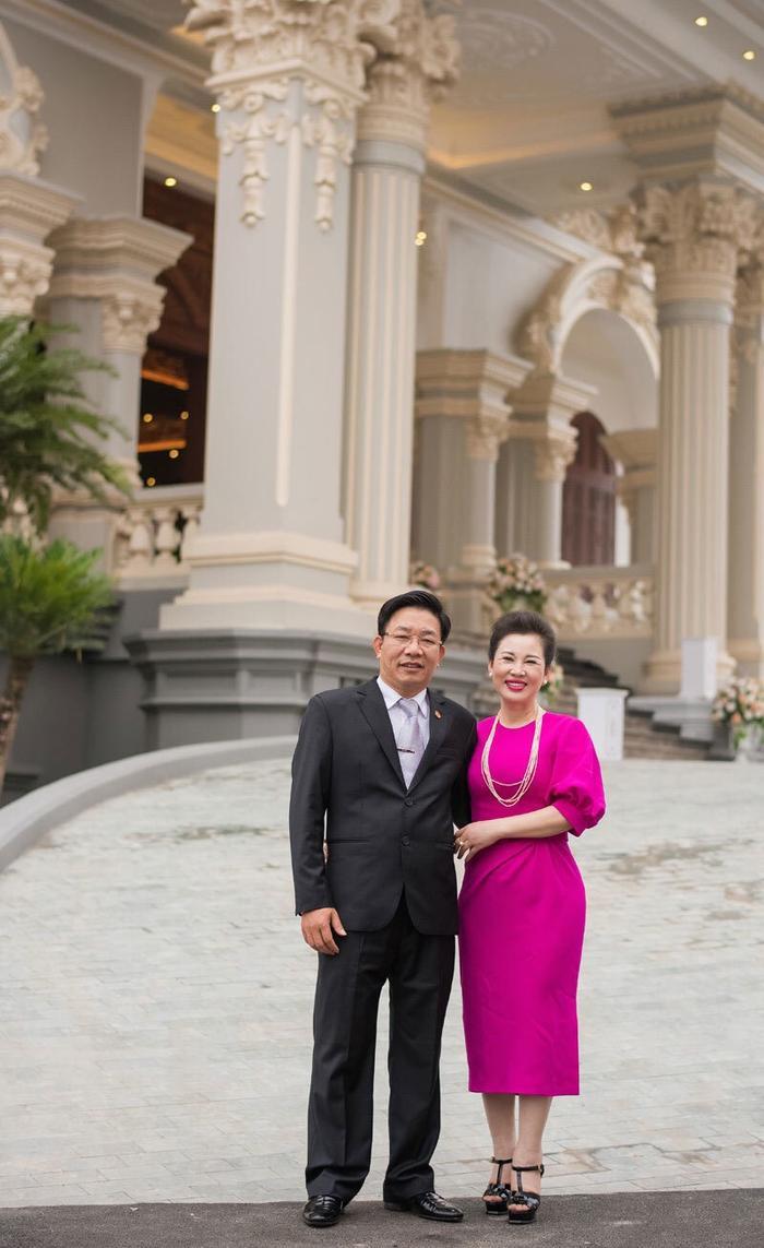 Cuộc sống của hai vợ chồng vị đại gia khiến nhiều người ngưỡng mộ